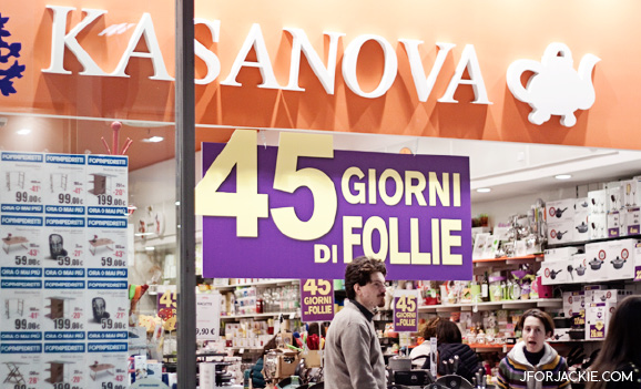 Kasanova, Kitchen store sells Colored Sprinkles in Florence